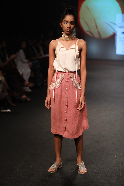 PSR0401 Top   PSR0402 Skirt