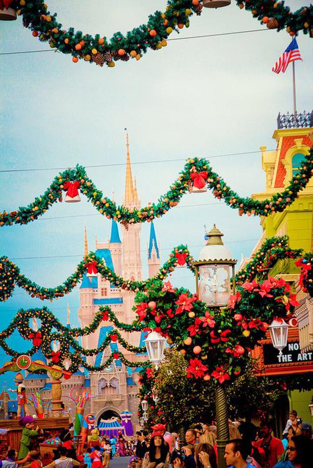 Holiday Attractions Disneyland