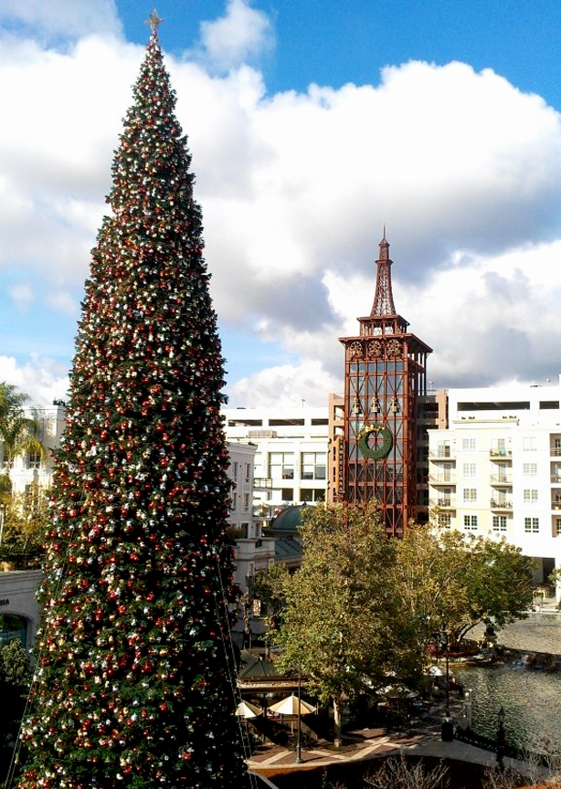 Holiday Attractions Americana
