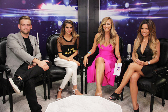 Hollyscoop TV