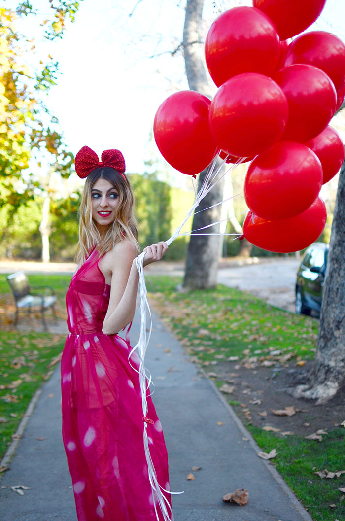 red balloons photoshoot