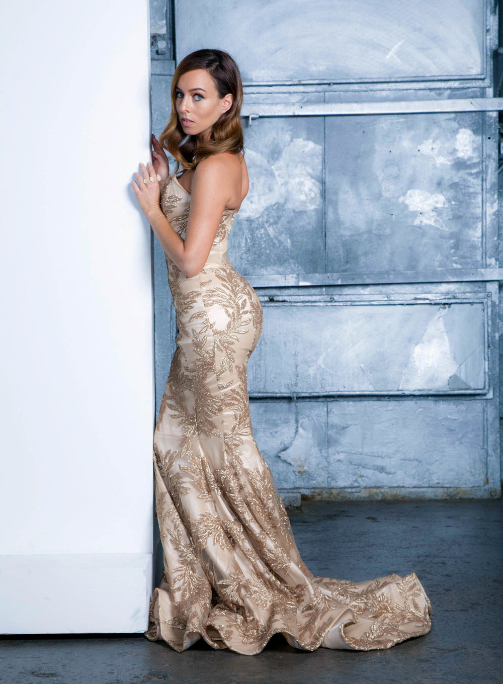 Sydne-Style-shows-the-best-gown-shapes-for-curves-in-mermaid-ballgown.jpg
