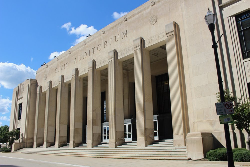 GRAND RAPIDS CIVIC AUDITORIUM'S NEOCLASSICAL - ART DECO FACADE, SEPTEMBER 2016.  PHOTO COPYRIGHT PAM VANDERPLOEG.