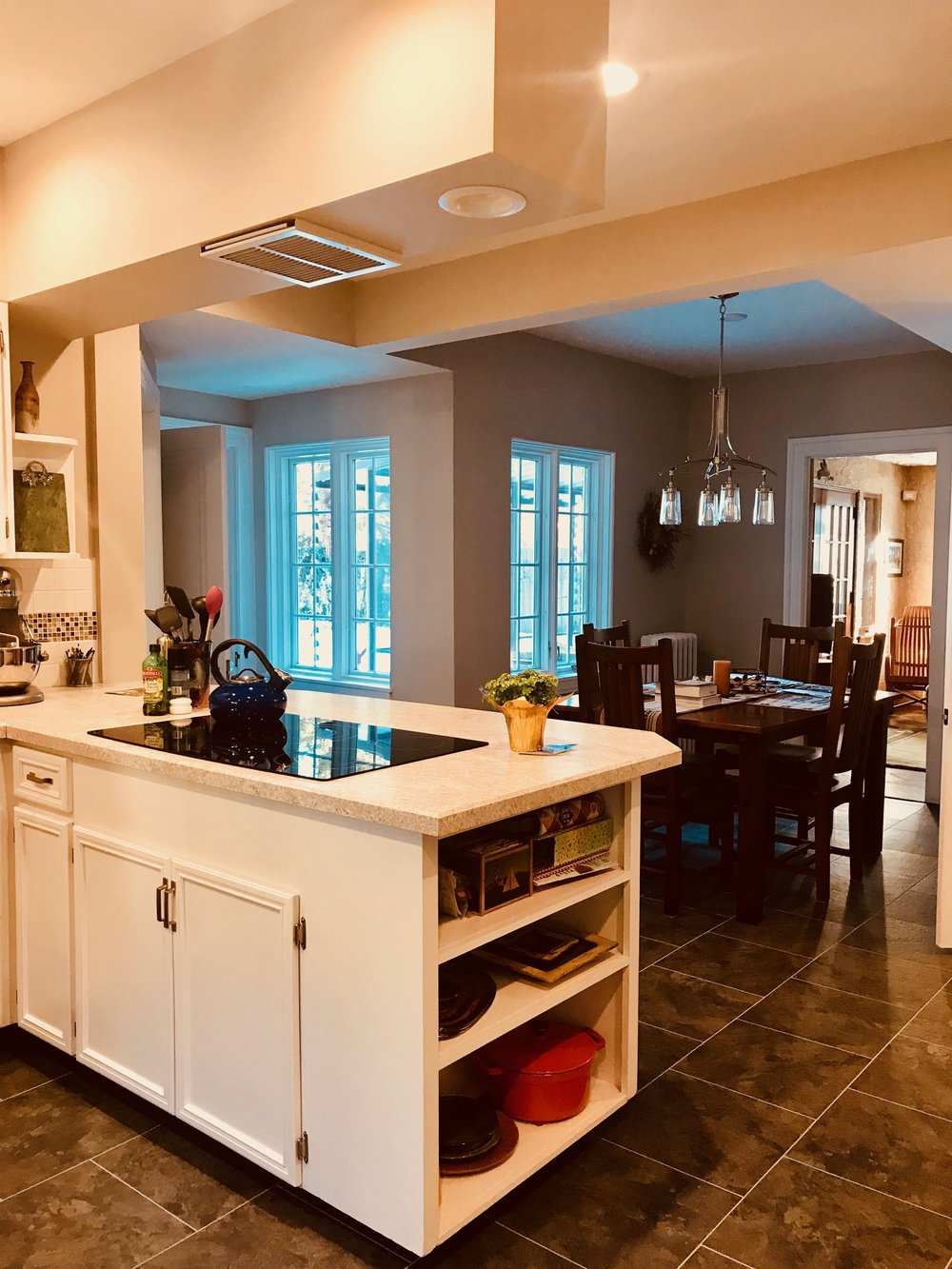 VIEW OF THE 1920'S BREAKFAST NOOK FOUND IN MOST OTTAWA HILLS HOMES