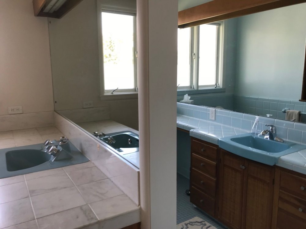 POWDER ROOM LEFT - BLUE SINK BATH RIGHT
