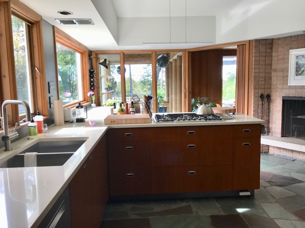 KITCHEN COUNTERS AND SINK