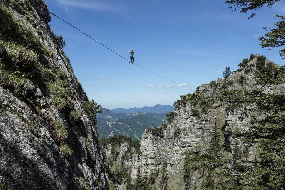 Highline-Weltrekord-140m 1.jpg