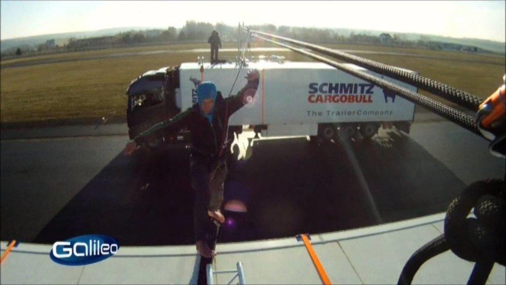 Galileo Fakecheck Slackline Volvo Stunt (6).jpg