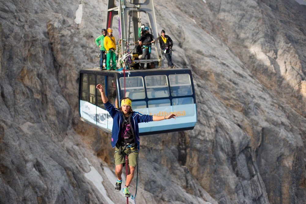 Cablecar Highline at Zugspitze (3).jpg