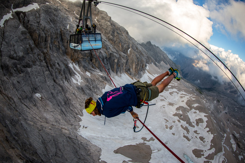 Cablecar Highline at Zugspitze (8).jpg