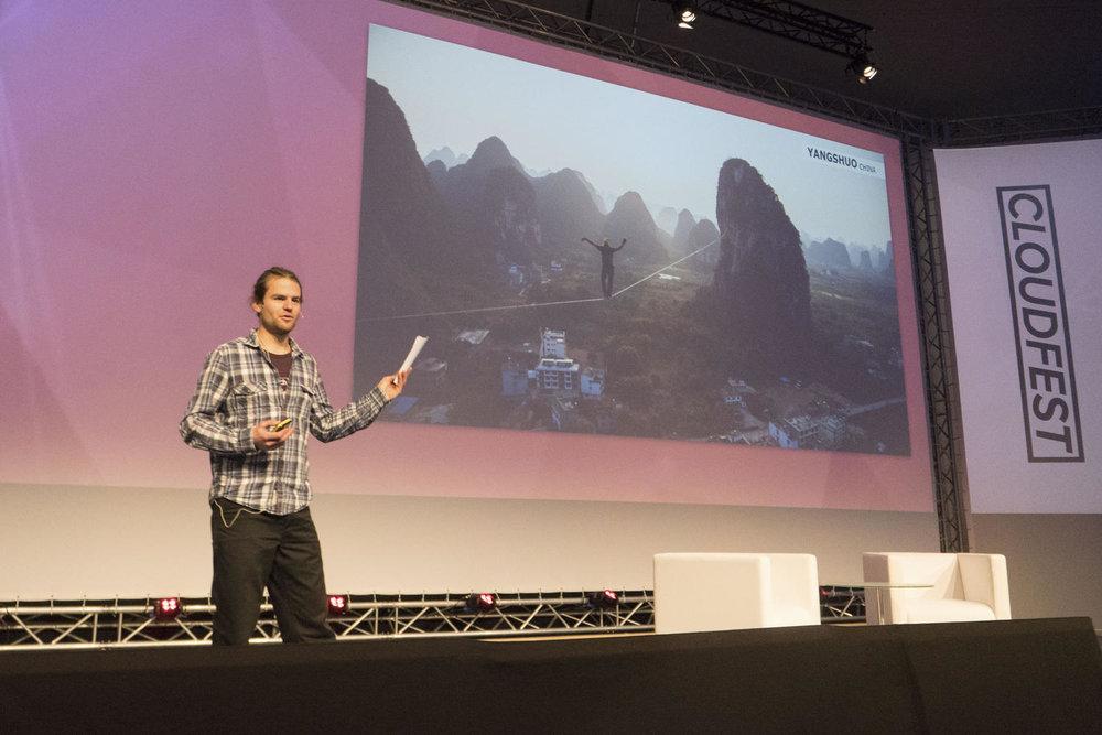 Alexander Schulz Keynote Vortrag beim Cloudfest 2018 (1).jpg