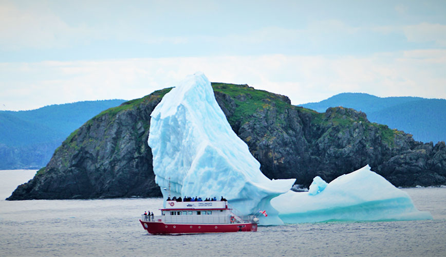 WOW_Iceberg-Boat.jpg