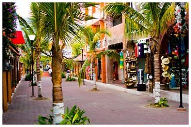 Zihuat shops.jpg