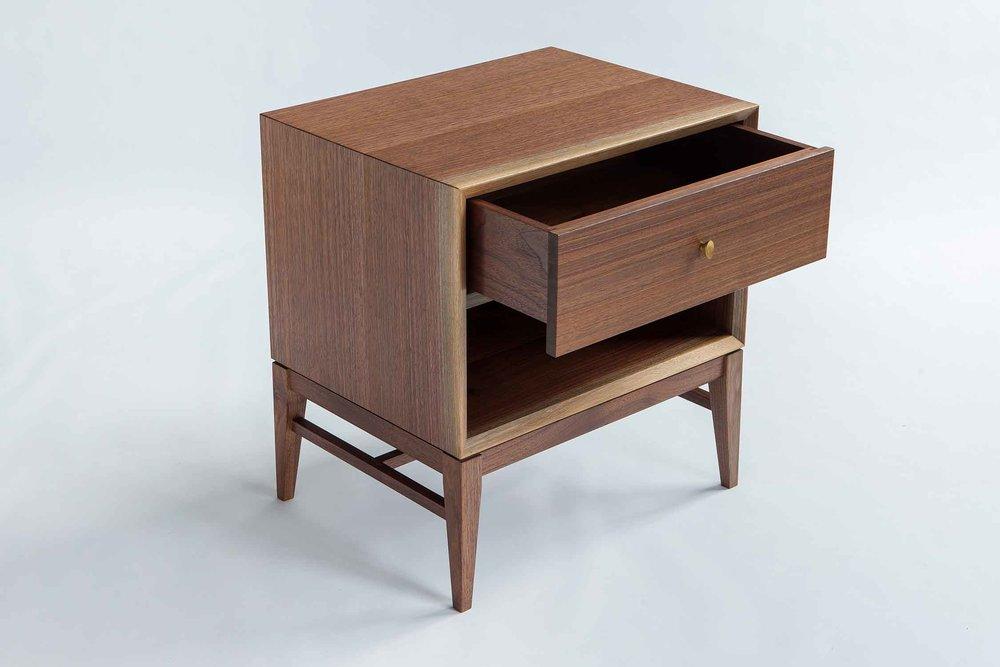 wickham_quartersawn_walnut_nightstand2_tom_moore_photo.jpg.jpg