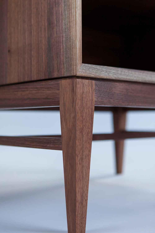wickham_quartersawn_walnut_nightstand4_tom_moore_photo.jpg