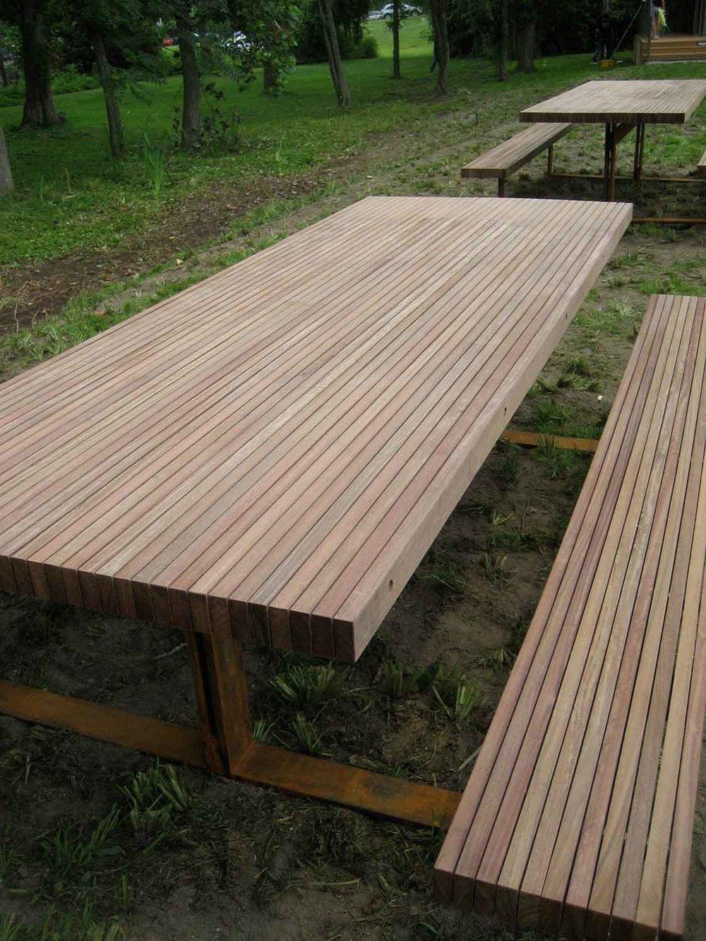 scenic-hudson-picnic-tables-5949.jpg