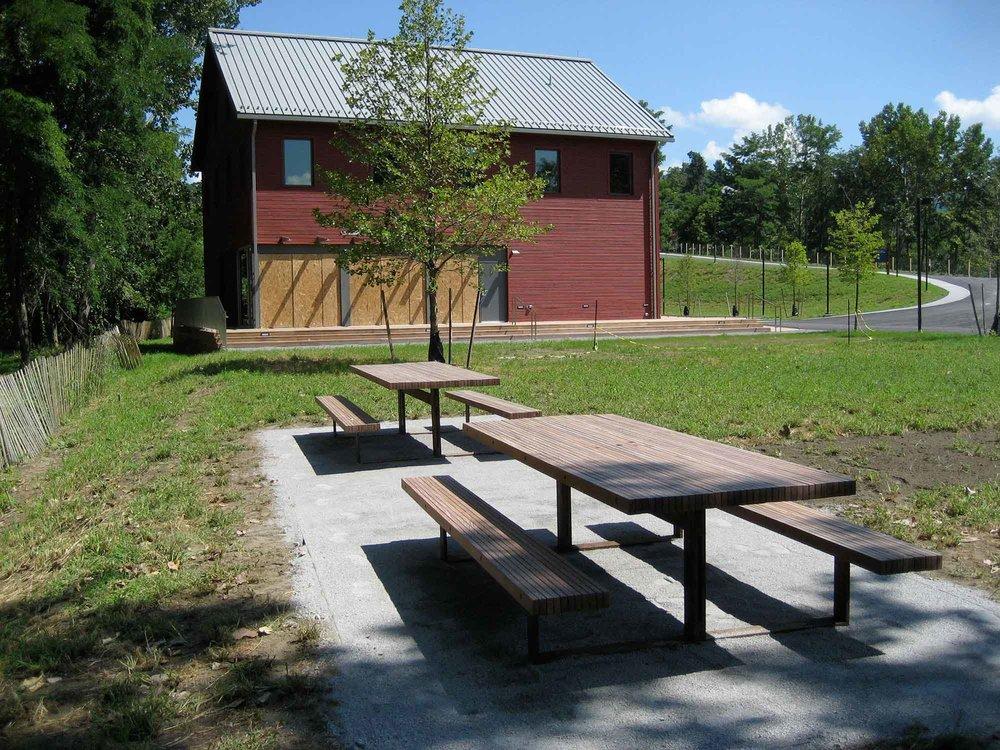 scenic-hudson-picnic-tables-12349.jpg