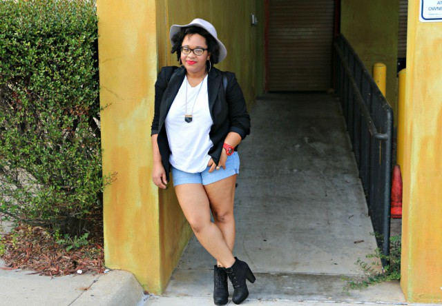 black_blazer_with_white_tee_and_shorts