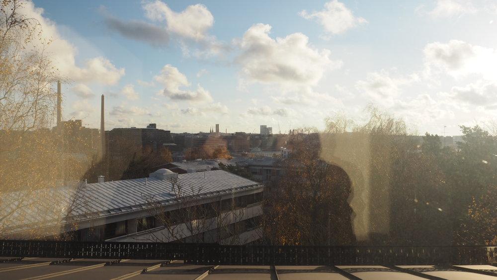 Maisemat alla olevan kuvan ikkunoista.