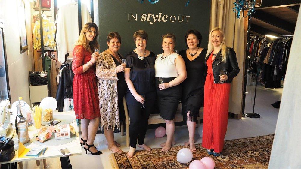 Ihanat naiset järjestivät ystävälleen Johannalle yllätyssynttärit Instyleoutin tilassa!