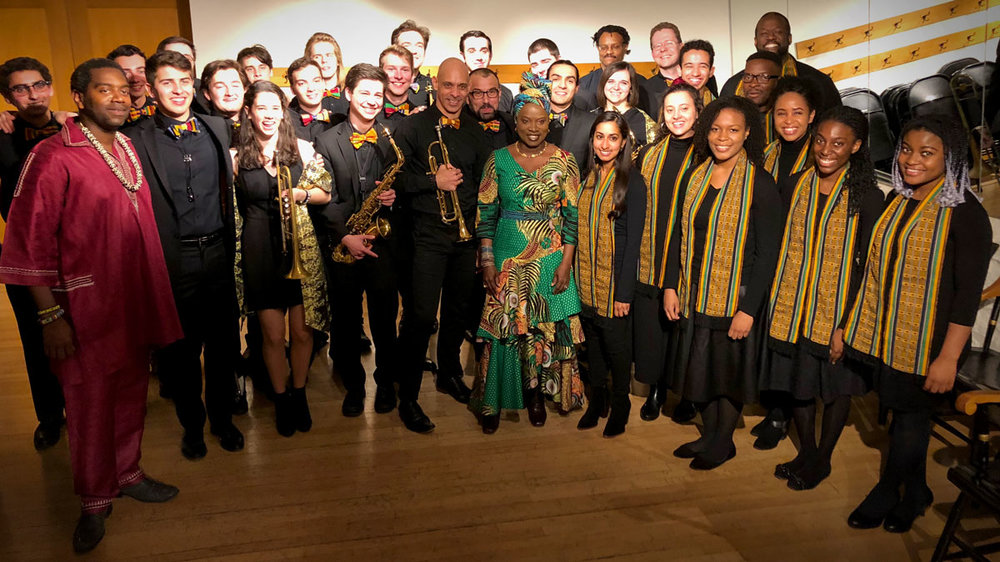 kidjo-harvard-group-photo3.jpg