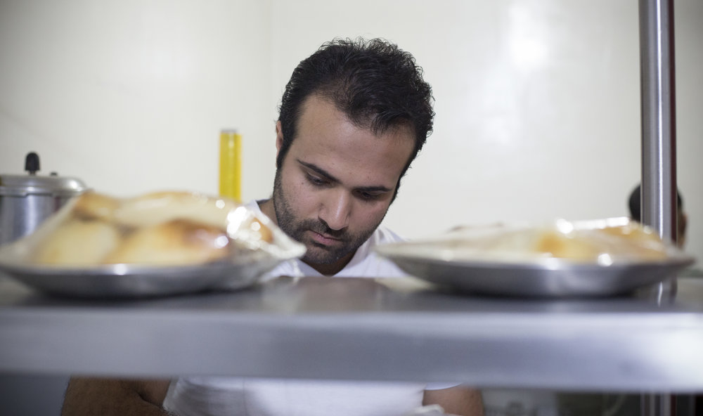 A long journey from one internal war to another: a Syrian refugee makes it in Colombia -