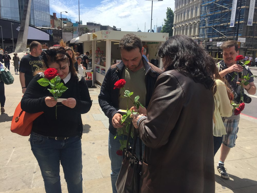 Muslim Londoners give out 3000 roses a week after the London Bridge attacks - 11 June 2017 - Cue:  One week after the terror attack at London Bridge which killed 8 people and injured dozens more, a small group of friends stood at the site of the tragedy and handed out free red roses to passers-by. Moved to spread love and unity and not hate, the organisers were mostly British Muslims, and some interfaith supporters. Cady Voge reports--