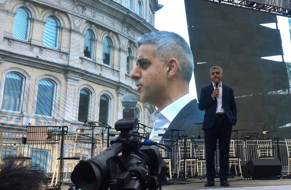 "Sadiq Khan says: London is open, and he's using the arts to show it. - 26 February 2017 - Cue: The Iranian film ""The Salesman"" took home the 2017 Oscar for Best Foreign Language Film. Just hours before the awards ceremony began in Los Angeles, Mayor of London Sadiq Khan sponsored a free open-air screening of the film in the city's centre. Director of the film, and previous Oscar-winner, Asghar Farhadi, boycotted the ceremony in protest of the US travel ban imposed by US President Donald Trump. Mayor Khan screened the film in solidarity with Farhadi's protest. Cady Voge reports--"