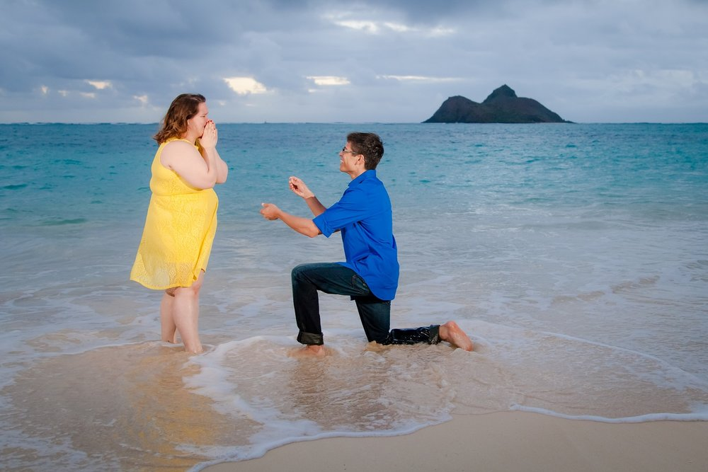 couples surprise proposal oahu hawaii