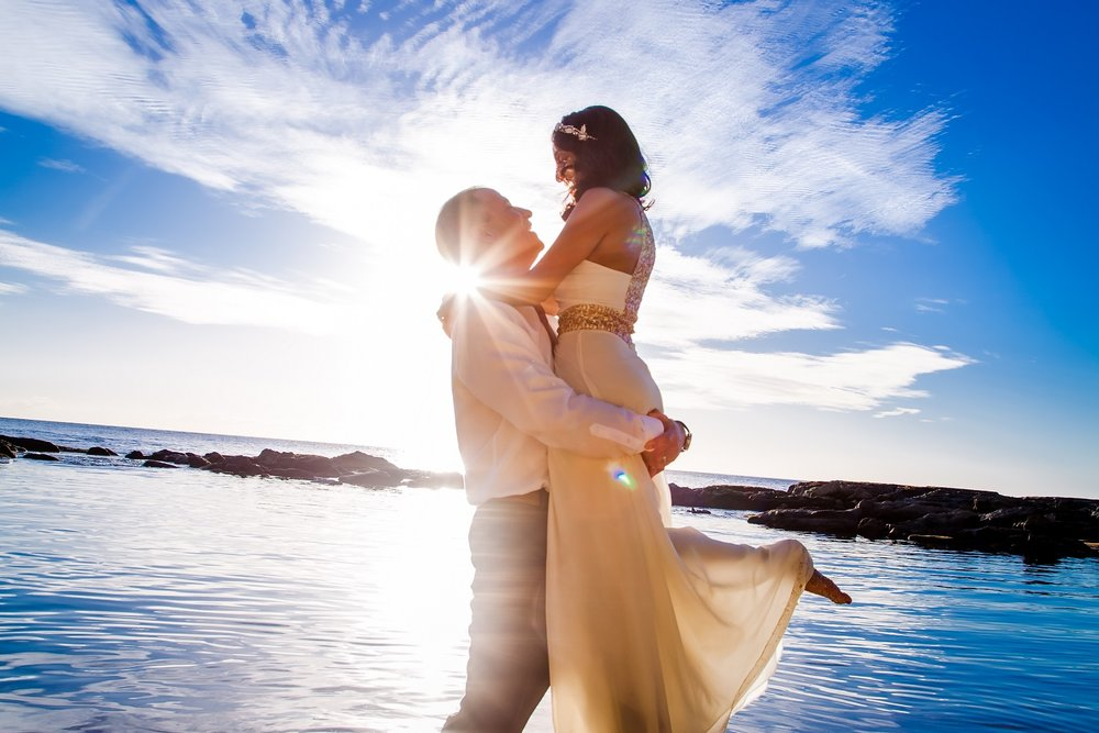 beach ocean wedding sun burst
