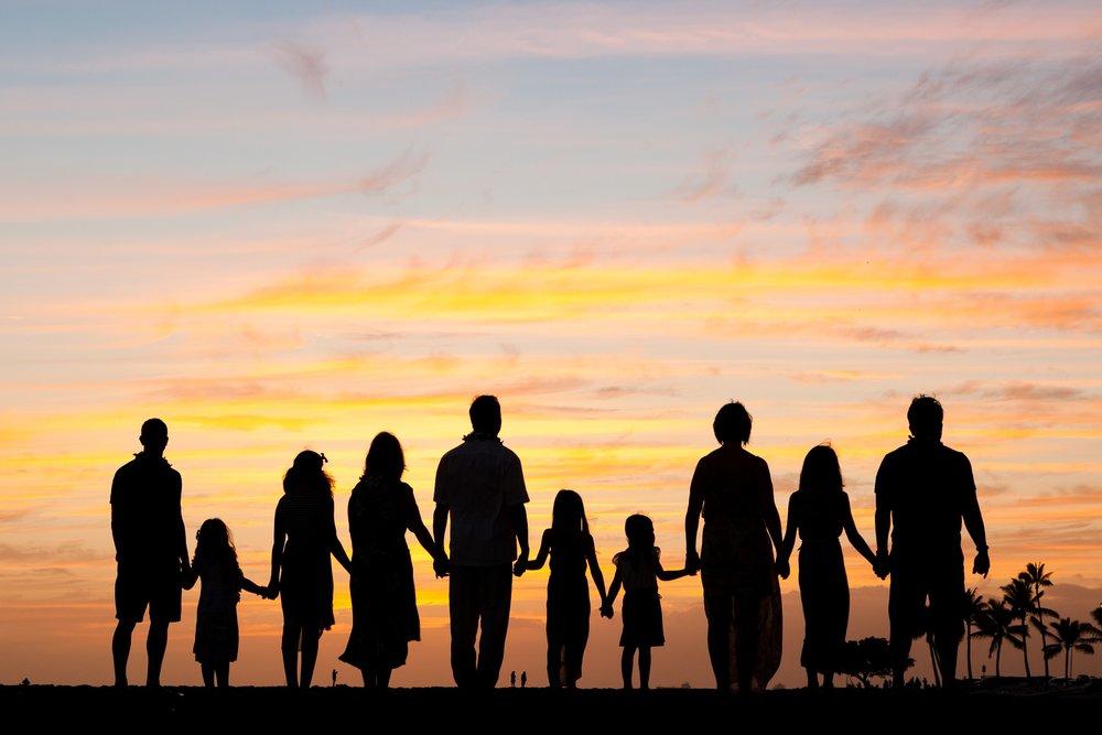 sunset silhouette family waikiki honolulu photographer