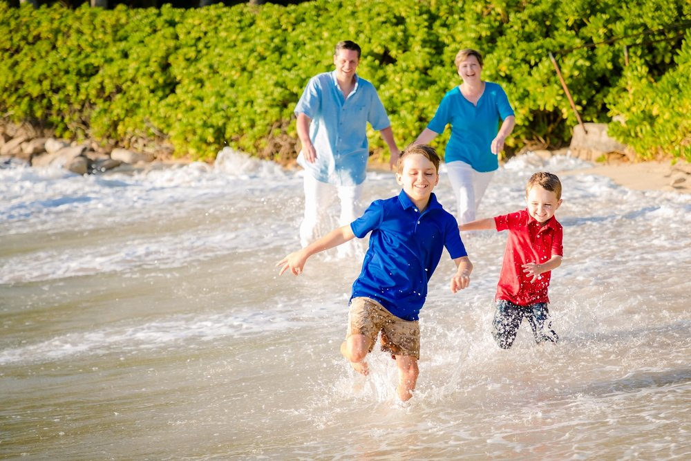 kids beach play oahu photographer