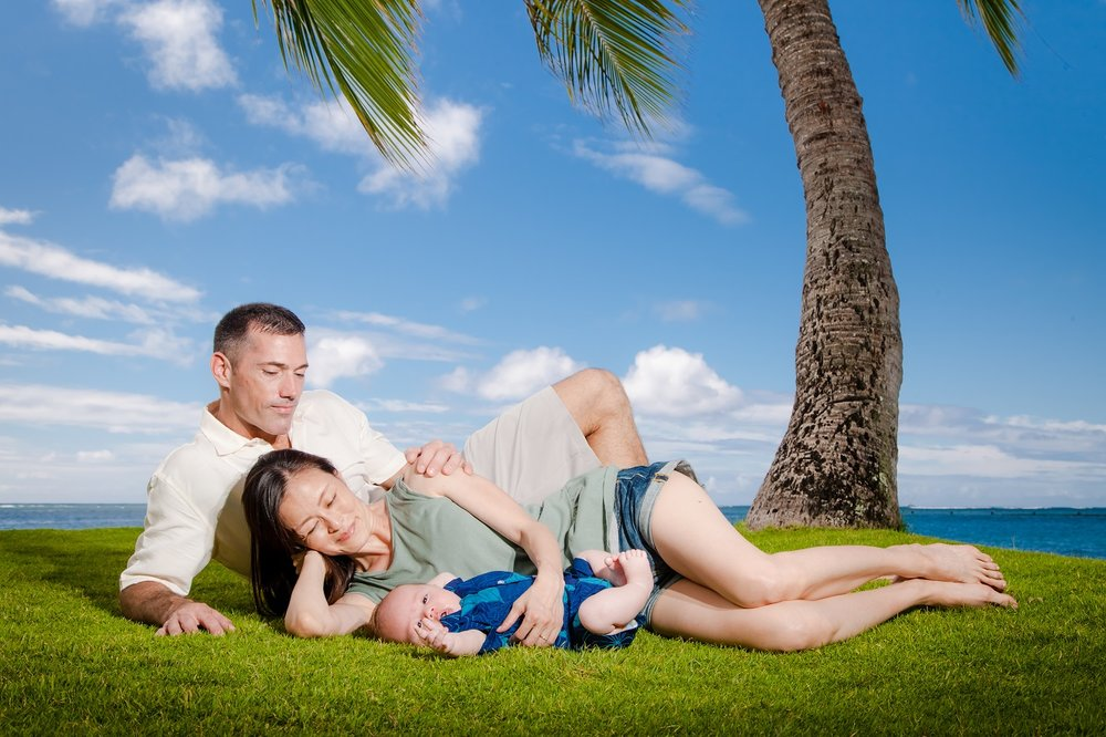 newborn family portrait hawaii