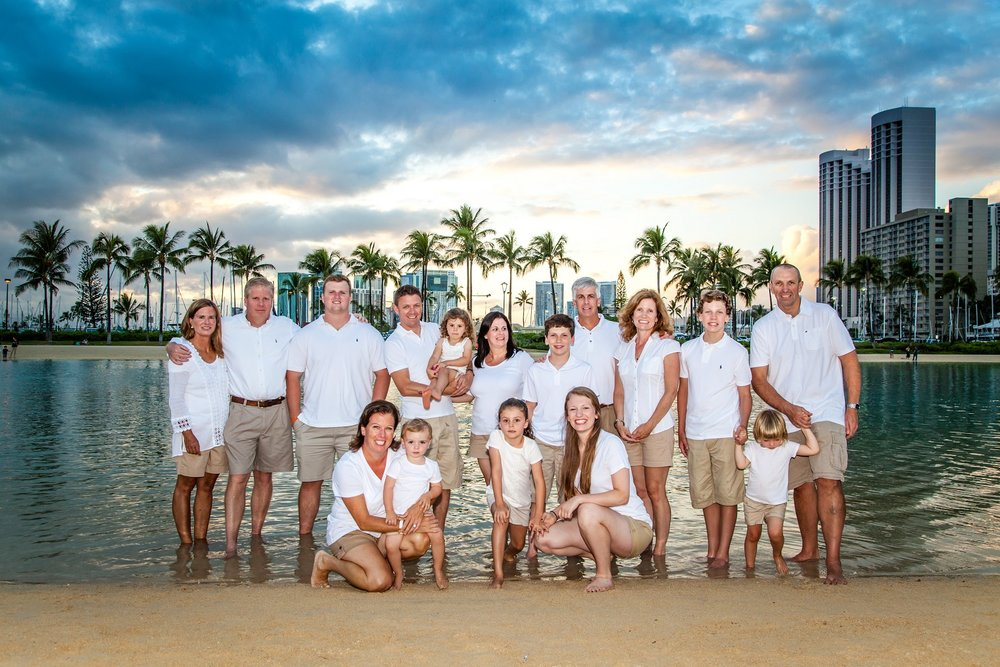 Hawaiian Hilton Waikiki family photographer