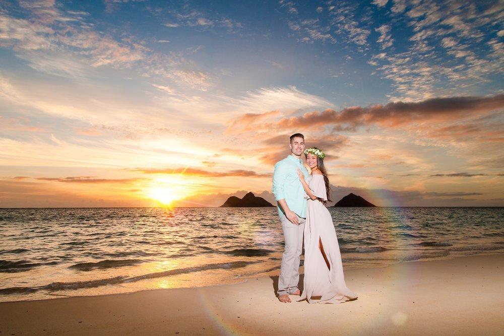 couples engagement sunrise portrait oahu