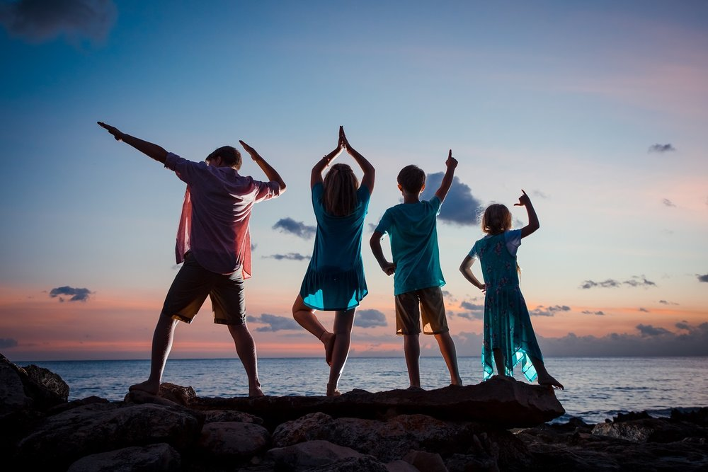 family sunset silhouette oahu photographer