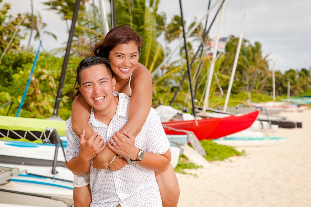 lanikai beach couples photographer