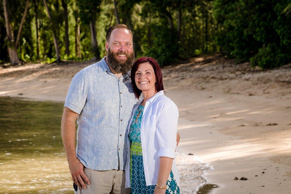 couples portrait turtle bay resort photographer