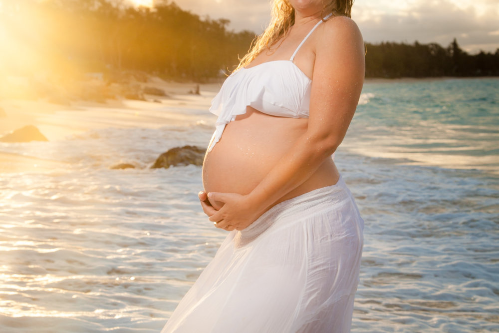 sunset maternity portrait photography