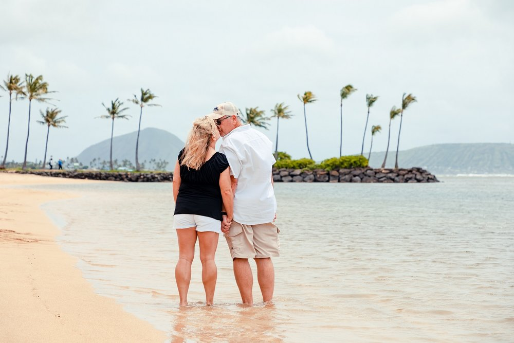 30th anniversary beach photos on oahu photographer