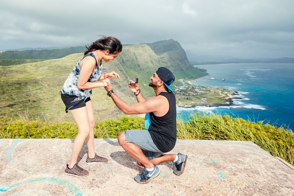 oahu surprise proposal engagement photo shoot