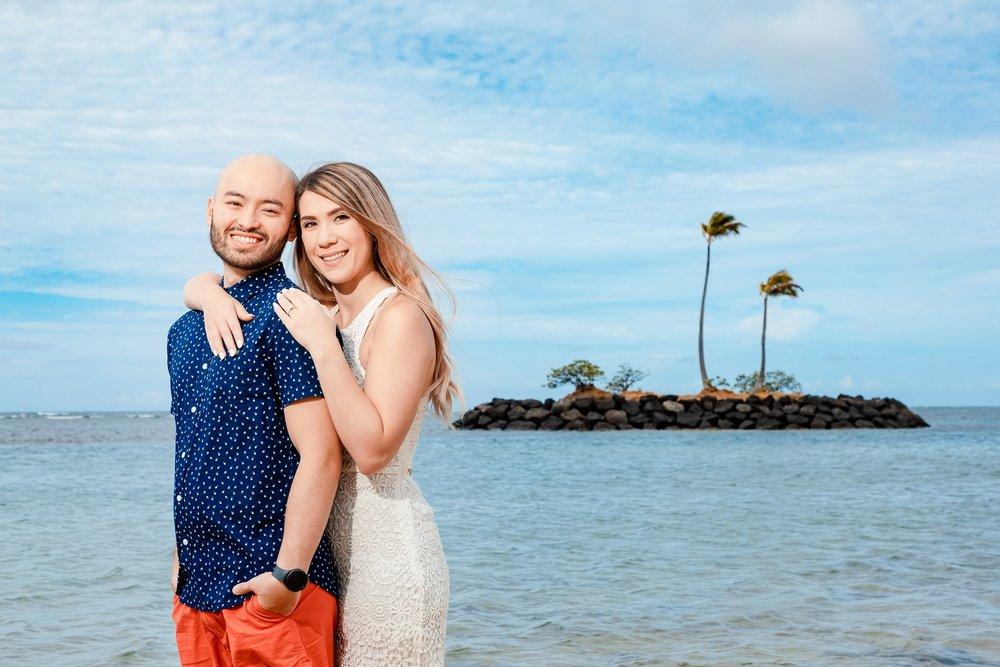 oahu hawaii waikiki engagement photography on beach