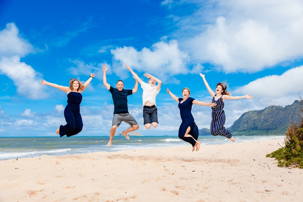 family jump photo maui photography beach