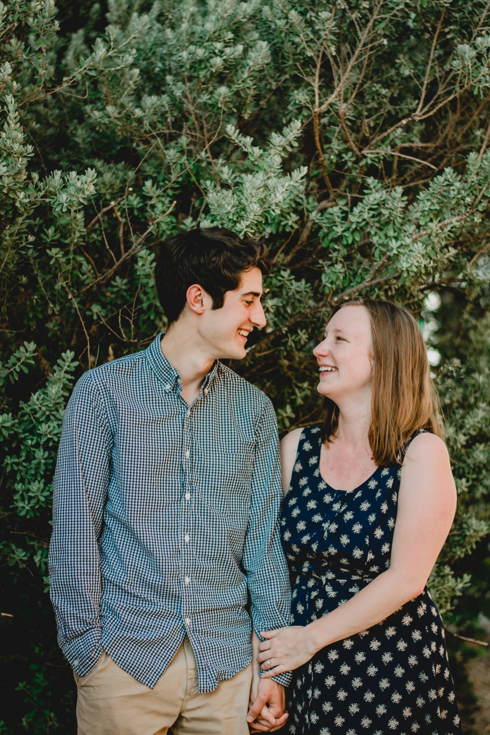 tips for couples on engagement photos