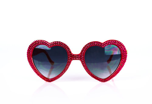 36027073f6f 00009   RED SWAROVSKI CRYSTAL EMBELLISHED HEART SUNGLASSES