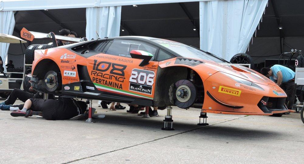 blancpain lamborghini super trofeo racecar brakes