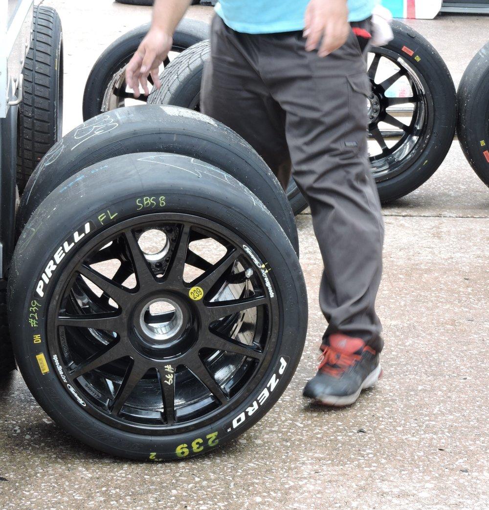blancpain lamborghini super trofeo huracan racecar wheels