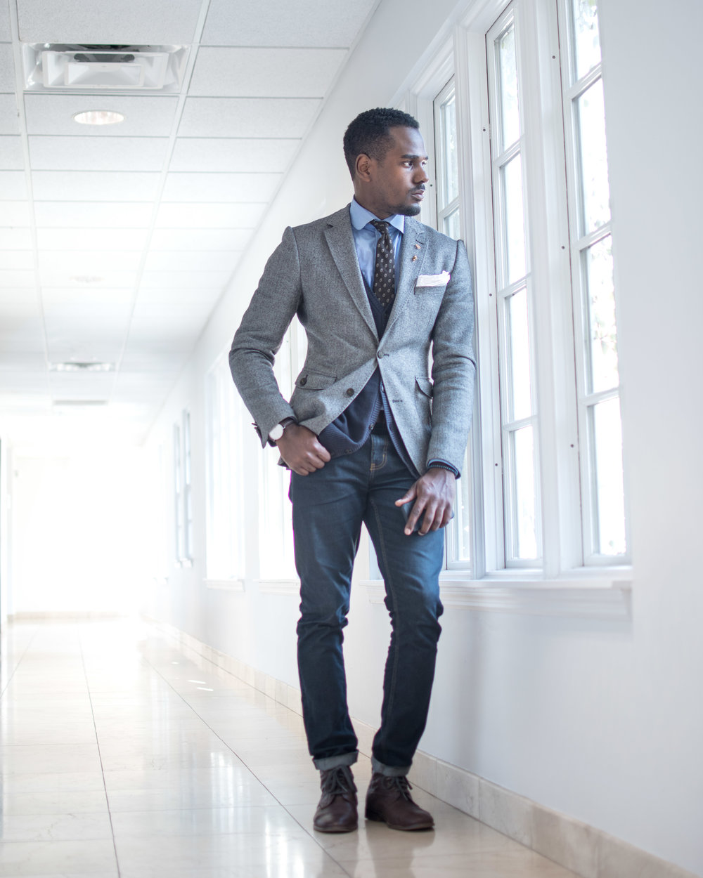 how to wear jeans with a blazer suit jacket