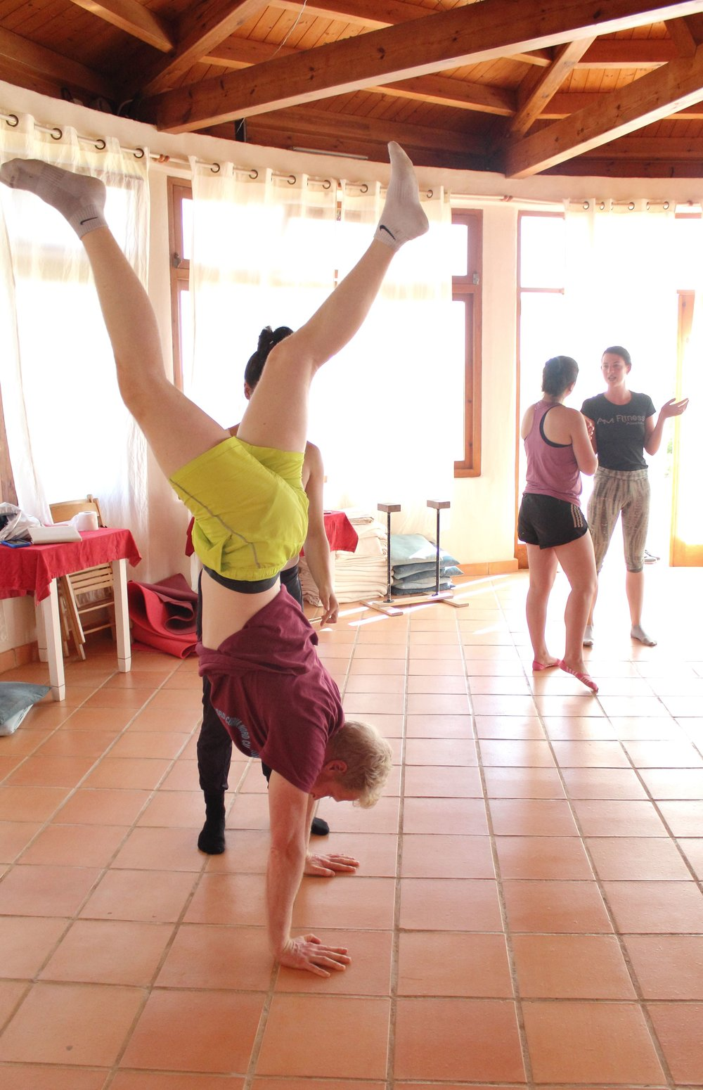Inertia Retreat Saturday Afternoon_Mikael Handbalancing_Seve_12.jpg