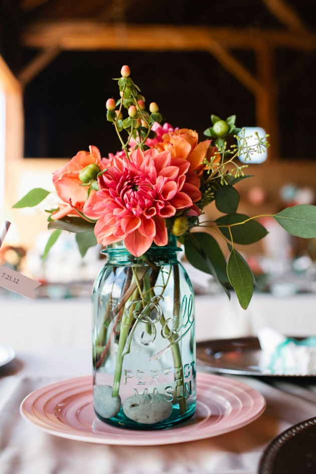 Twigs and Posies . Simple Centerpiece.